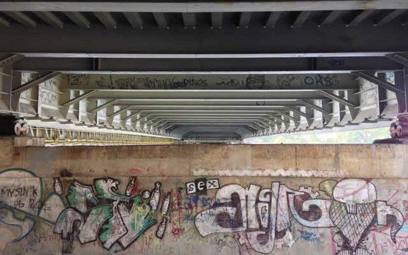 How to Rid Your Business of Unsightly Graffiti