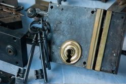 Looking for Affordable Locksmith Service? Find Out How to Choose One