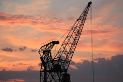 What to Check Before You Tie Up with A Mobile and Mini Crane Hire Service?