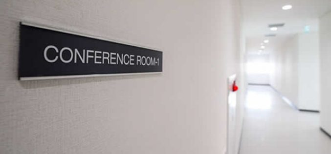 Conference Room Slider Signs: Tips to Choose Online Service Provider