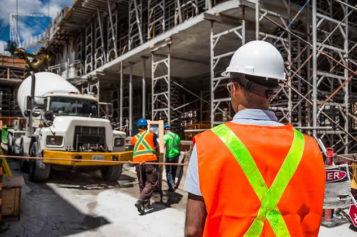 4 Business Details Every Contractor Needs to Run a Successful Company