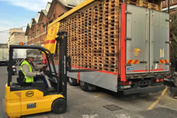 Proper Workplace Procedure: What Not to Do on a Forklift