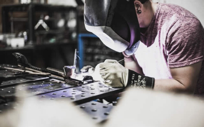 4 Key Tips to Know on How to Start a Fabrication Shop