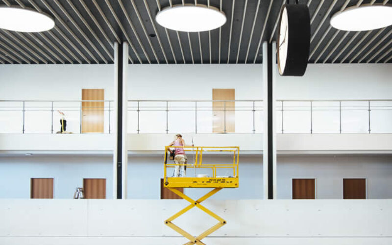 Facts to Know Before You Opt for Scissor Lift Hire
