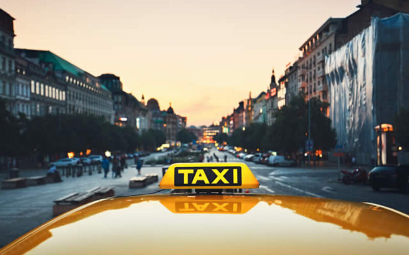 Four Factors Explained In Detail How To Book A Maxi Taxi Service For Group Travel?