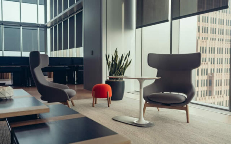 Balanced and Safe: Top Office Design Trends for 2021